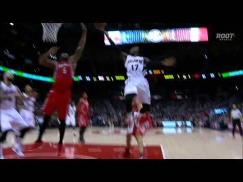Terrence Jones block leads to an alley-oop slam