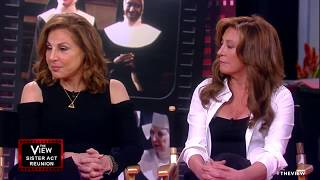 Video 'Sister Act' Reunion: Whoopi Goldberg Reunites With Co-Stars For 25th Anniversary | The View MP3, 3GP, MP4, WEBM, AVI, FLV Juni 2018