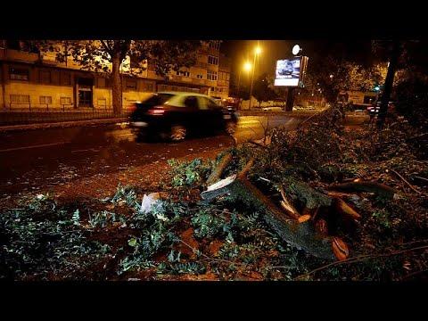 Πορτογαλία: Τεράστιες καταστροφές από τον κυκλώνα Λέσλι…