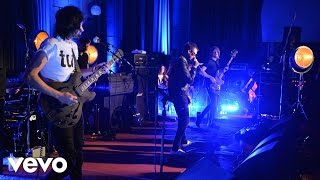 Video Kasabian - Goodbye Kiss in the Live Lounge MP3, 3GP, MP4, WEBM, AVI, FLV Oktober 2018