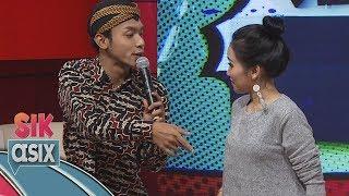 Video Ciee...  Ayu Ting Ting Dirayu Alif Rizki Pakai Lagu Akad Bahasa Jawa - Sik Asix (4/11) MP3, 3GP, MP4, WEBM, AVI, FLV Oktober 2018