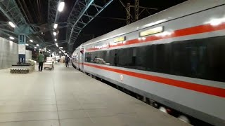 12289 NAGPUR DURONTO EXPRESS GETS BEZEL-LESS COACHES ON ITS SECOND LHB RUN