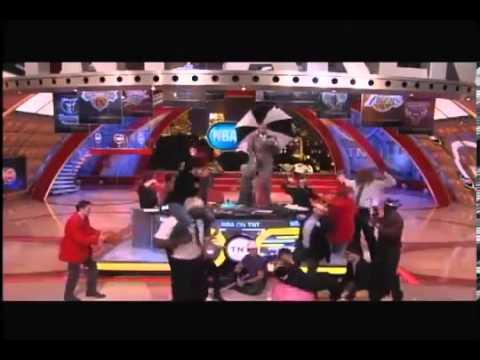 Funny Shaqs HARLEM SHAKE Edition on TNT Show 2013