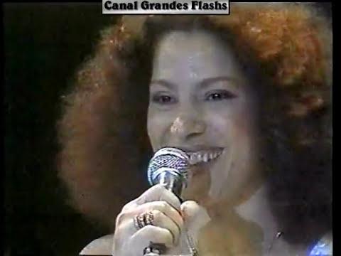 """Clara Nunes cantando """"Aquarela do Brasil"""""""