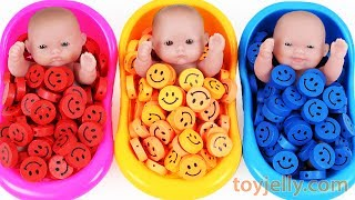 Learn Colors Baby Doll Bath Time Smiley heart Candy Surprise Eggs Kinder Joy Baby Finger Family SongFun and Creative Toddler Learning Video, Kids Video for Toddlers - toyjelly.comSounds : freesound.org/jokersounds.com/soundbible.comLicensed under Creative Commons: By Attribution 3.0http://creativecommons.org/licenses/by/3.0/