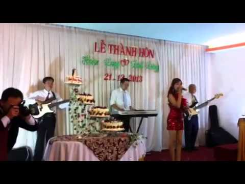 Cover Con Bướm Xuân quẩy trong đám cưới