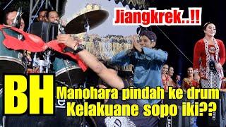 Video Manohara nangis!!! Bh nya di lempar ke drum! MP3, 3GP, MP4, WEBM, AVI, FLV Juli 2019