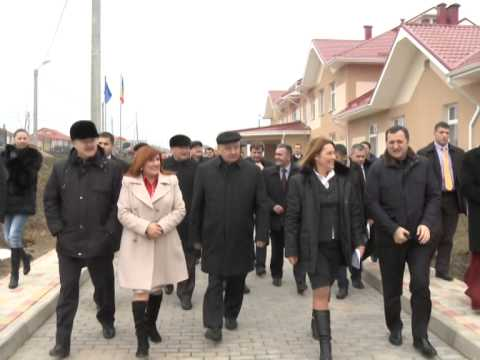 President Nicolae Timofti on visit to flood-hit villages