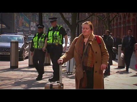 Απέλασαν 53χρονη μετά από δεκαετίες παραμονής στην Αγγλία