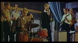 Video Viena meita govi slauca - epizode no k/f Elpojiet dziļi (1967) MP3, 3GP, MP4, WEBM, AVI, FLV November 2018
