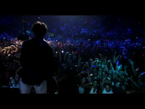 Jonas Brothers - Burning Up!  3D Movie Exclusive 3D Movie Scene!
