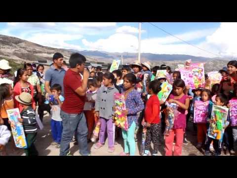NIÑOS DE MDJN RECIBEN REGALOS POR PARTE DEL ALCALDE DE LA MUNICIPALIDAD DISTRITAL DE JESÚS NAZARENO.