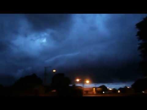 Passada da nuvem em forma de rolo em Caarapó-MS