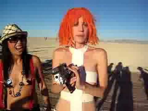 They found Leeloo from the 5th element at Burning Man (15 seconds)