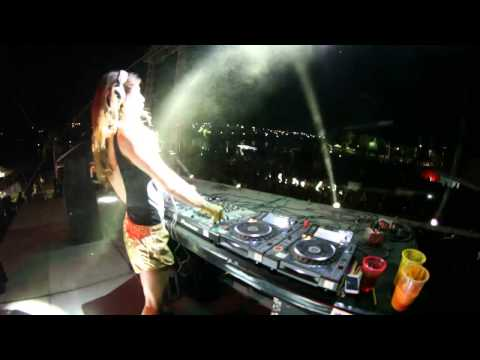 Juicy M - Holi Dance Of Colors Festival