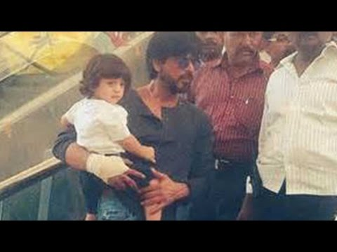 Take A Look: Baby Abram's Day Out With Shah Rukh K