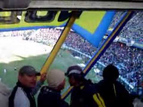 Video - Gallina puta te saluda tu papa - La 12 - Boca Juniors - Argentina