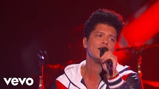 Video Bruno Mars - That's What I Like (LIVE from the 59th GRAMMYs) MP3, 3GP, MP4, WEBM, AVI, FLV Juli 2018