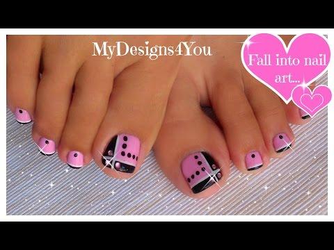 nail art sui piedi