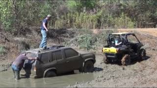 11. 2011 CAN AM COMMANDER on SILVERBACKS PULLS NISSAN PATHFINDER!!
