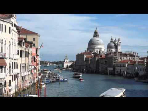 Wasserbusse (Vaporetti): Öffentlicher Nahverkehr mi ...