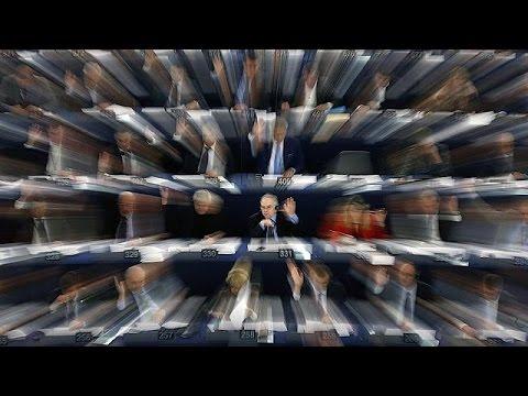 Διφορούμενες οι αντιδράσεις των ευρωβουλευτών από τις ανακοινώσει Μέι για το Brexit