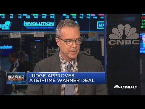 Government will try to appeal AT&T-Time Warner ruling, says NYT's Jim Stewart