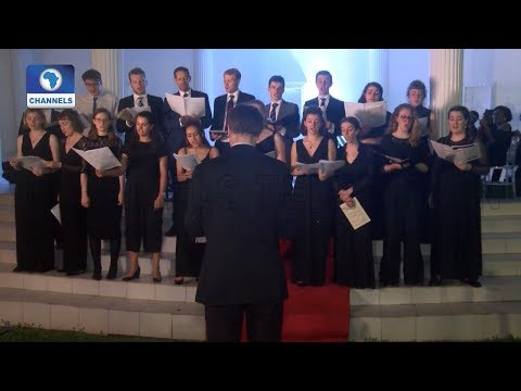 Kings College Choir, London Visits Olu Okeowo's 'Palacio De Okeowo' |Metrofile|