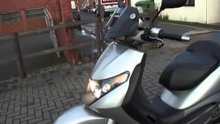 9. 2004 PIAGGIO BEVERLY B125 125 4T LC SCOOTER MOPED 1900 MILES 12 MONTH MOT + TAX
