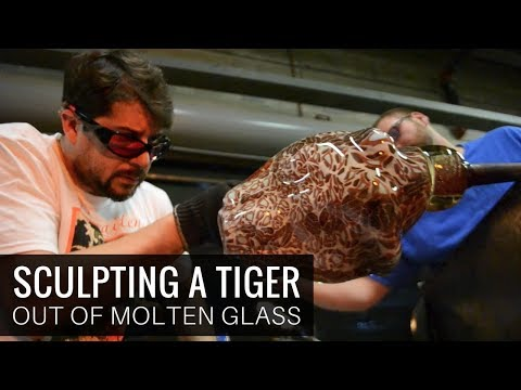 Grant Garmezy Sculpting A Siberian Tiger Out Of Hot Glass