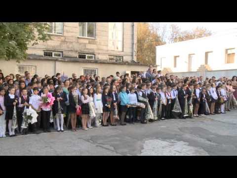 """Președintele Nicolae Timofti a participat la ceremonia de deschidere a noului an școlar la Liceul """"Spiru Haret"""" din capitală"""