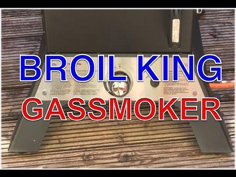Broil King Vertical Smoke Gas Gassmoker Test --- Klaus grillt