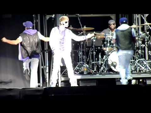 Cuenta regresiva & Love me – Concierto de Justin Bieber – Mexico  Foro Sol – 1 Octubre 2011