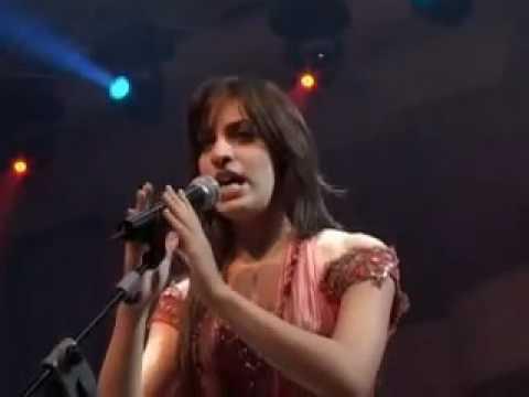Aam Behlamak ya helm - Hiba Mounzer / هبة منذر - عم بحلمك يا حلم يا لبنان (видео)
