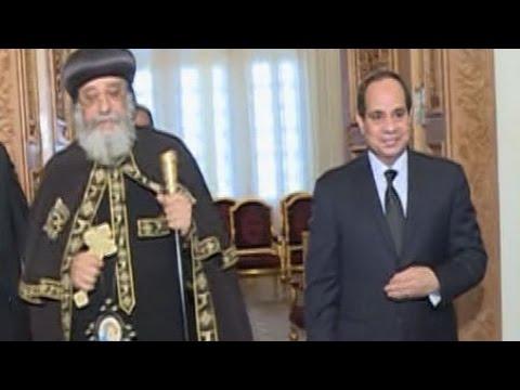 الرئيس السيسي يزور الكاتدرائية المرقسية لتعزية البابا تواضروس في شهداء طنطا