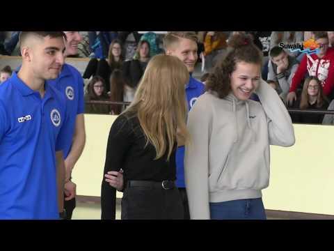 Wigry Suwałki zaprezentowały pierwszoligową drużynę w usportowionej Szkole Podstawowej nr 11