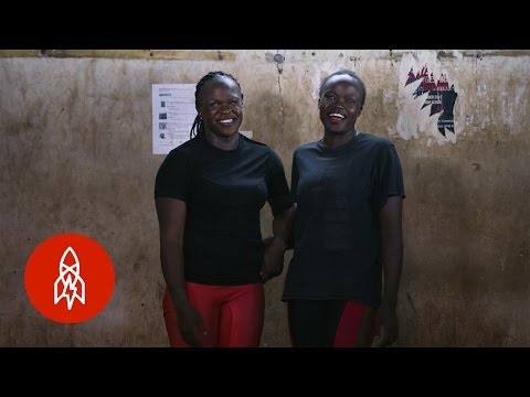Inspiring Mother and Daughter Weightlifters
