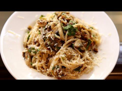 Spaghetti Aglio E Olio Recipe | Garlic Spaghetti – Italian Pasta Recipe | Ruchi's Kitchen