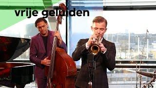Download Lagu Teus Nobel - Esho Funi (live @Bimhuis Amsterdam) Mp3