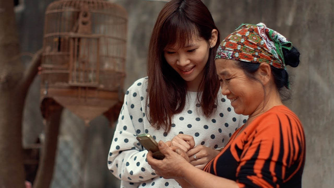 Bringing digital skills training to 30,000 farmers in Vietnam