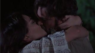 Verónica y Martín  martín pide a verónica Que se quede