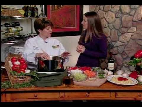 How To Cook Italian Pasta Sauce (Like an Olive Garden Chef)