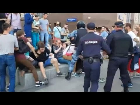 Σφοδρές αντιδράσεις από την αντιπολίτευση για τις συλλήψεις στη Μόσχα…