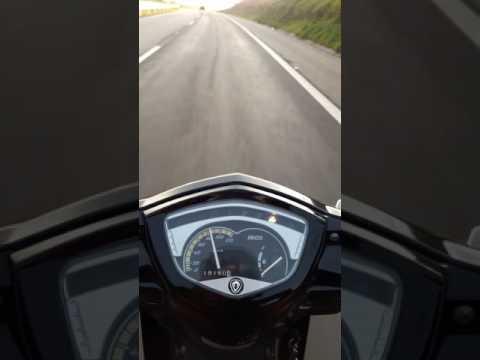 Viagem de 300 km Iros Moving top speed. Moto foda de boa!