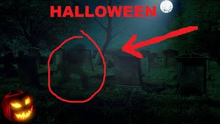 I can't explain this.... Real Footage of a Ghost Sighting on Cemetery during Halloween Actividad Paranormal Inexplicable el Cementerio HALLOWEEN HORROR 2015 Music: Ice Demon & Beachfront Celebration by Kevin MacLeod www.incompetech.com