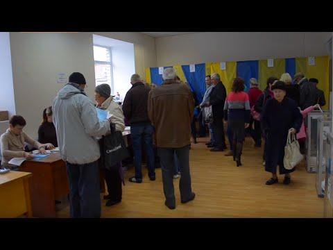 У Черкасах люди голосували за кандидатів не свого округу