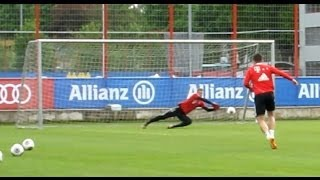 FC Bayern Munich - Shooting training and incredible saves of Manuel Neuer - Robben Götze Martinez
