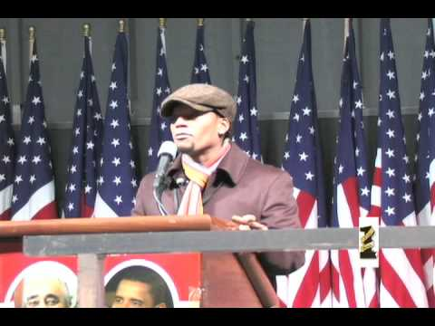 DL Hughley speaks at 2008 Presidential Election viewing