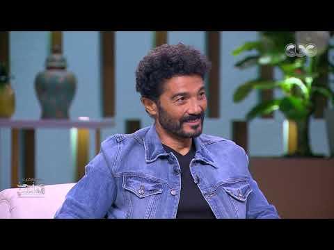 """خالد النبوي يطلب رأي جمهور """"منى الشاذلي"""" في تجسيده شخصية """"مصطفى محمود"""""""