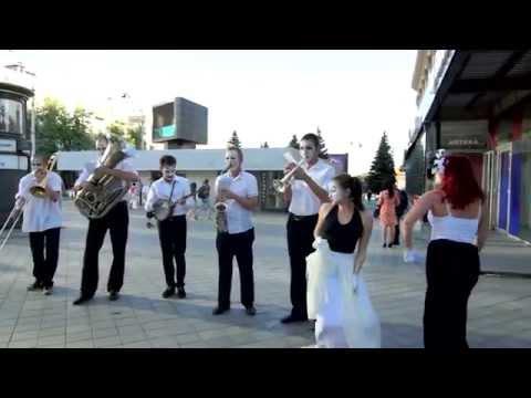 Музыкальный флешмоб в Харькове